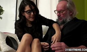 Geek amateur wife carolina likes to fuck mature fellows