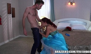 Brazzers - momique makes dream come true