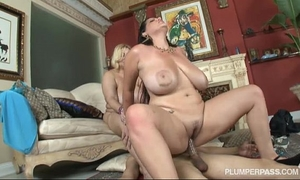 Samantha 38g and angelina castro double team fellow