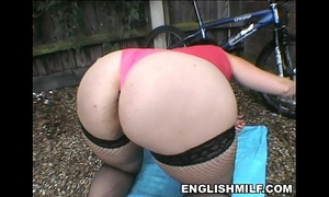 Big gazoo british milf in nylons uk pawg
