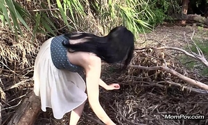 Arab dilettante woman blow job outdoors
