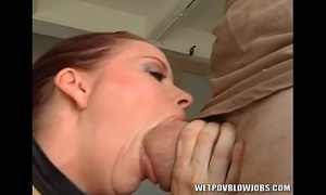 Bobbi bliss gives outstanding sloppy deepthroat