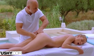 Insatiable Czech babe with natural breasts gets sodomized by the pool